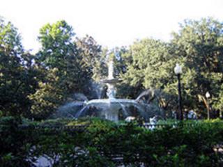 220px-Forsyth_park_fountain